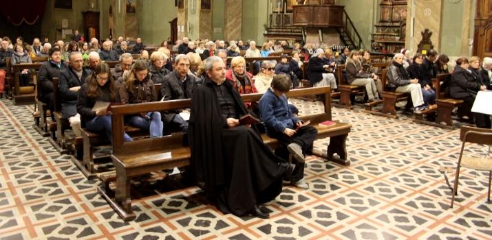 Una foto del pubblico intervenuto poco prima dell'inizio del concerto