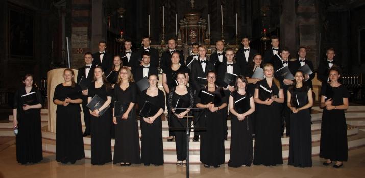 Il Coro nella sua formazione del 2015